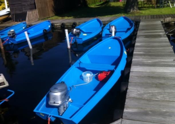 Stalen motorboot