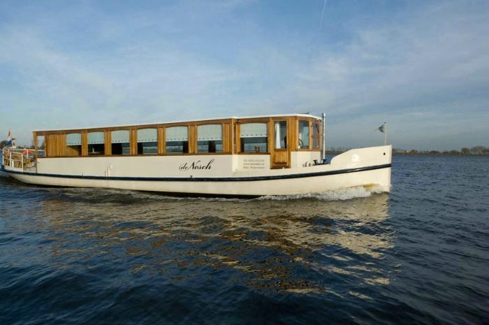 Salonboot De Nesch