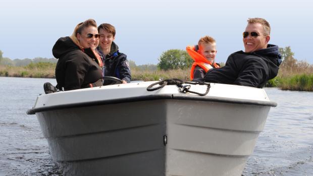 Ryds motorboot