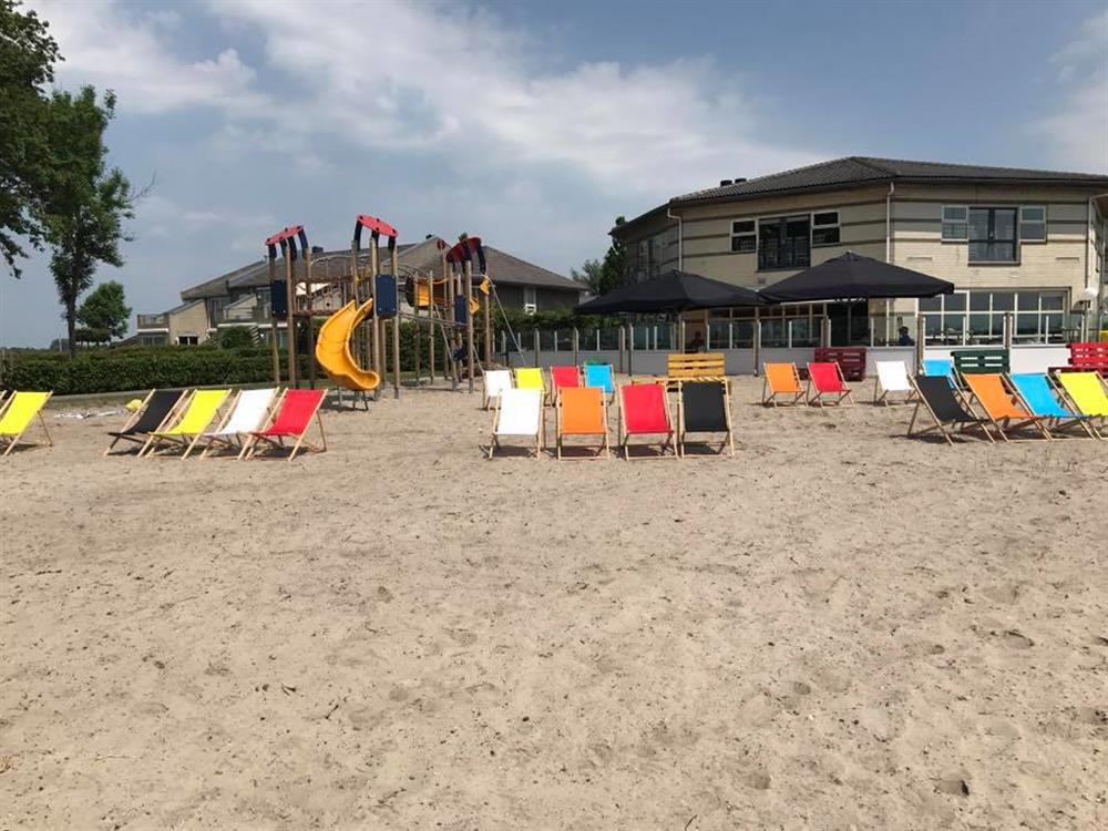 Ellys Beach Bistro