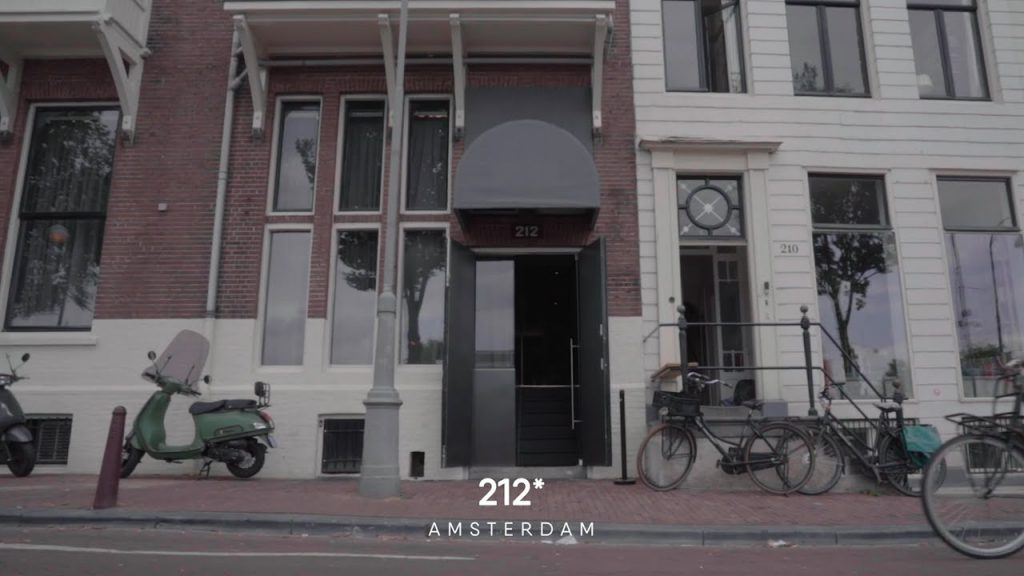 Restaurant 212