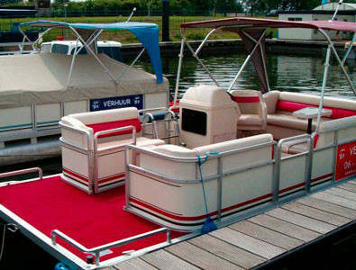 Floate Boat